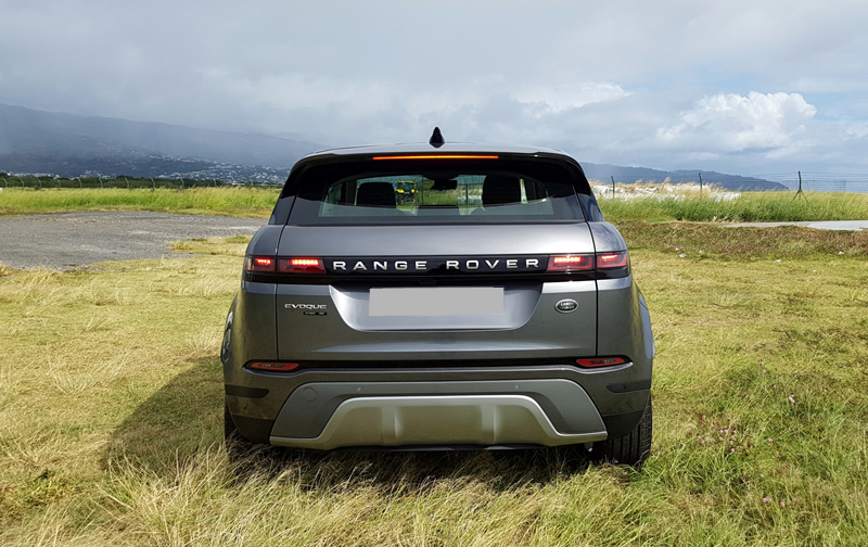 louer-range-rover-velar-marrakech car for rent in morocco at marrakech casablanca, rabat and agadir
